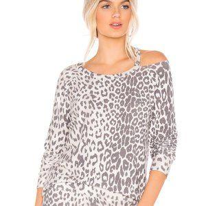 Chaser Vented Raglan  Leopard Print Pullover